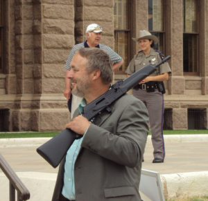 long_gun_at_texas_capitol